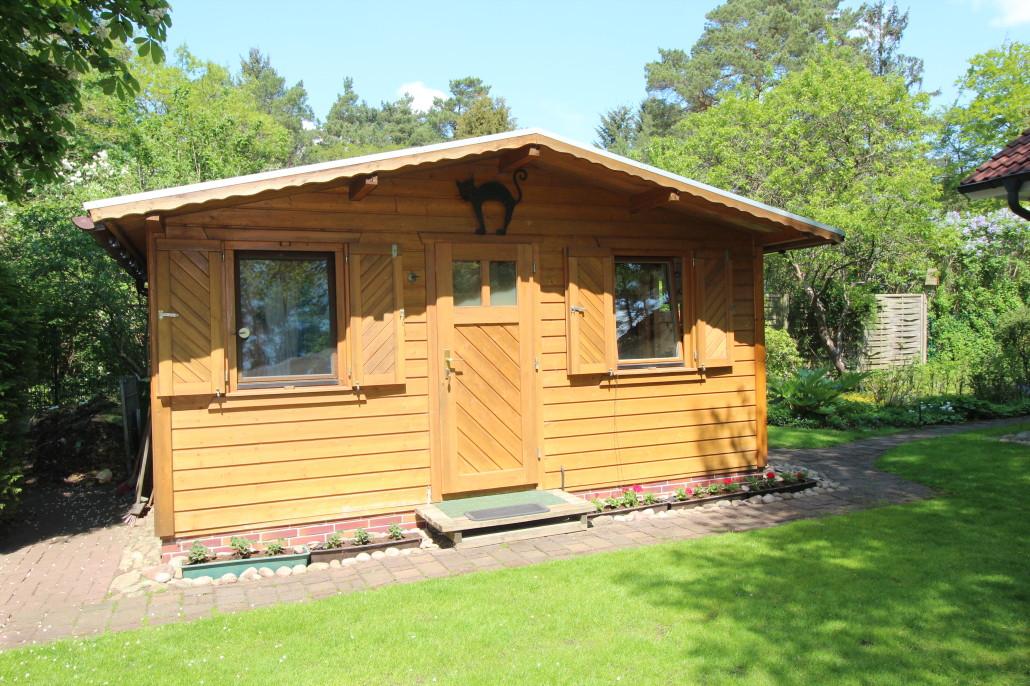 wohnschnitte immobilien von mensch zu mensch verkauft gartentraum sauna schwimmteich. Black Bedroom Furniture Sets. Home Design Ideas